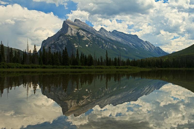 Mont Rundle et le 2e <em>Vermilion Lake</em>