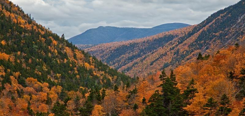 Vallée de Crawford Notch à l'automne