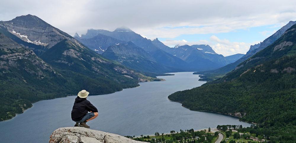 Contemplation du Lac Upper Waterton