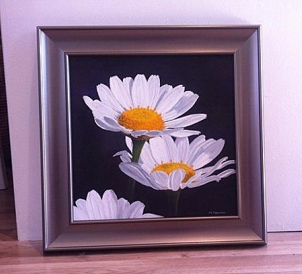 Framed daisy painting