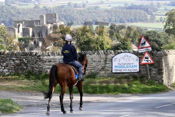 This Way To Middleham (141004)