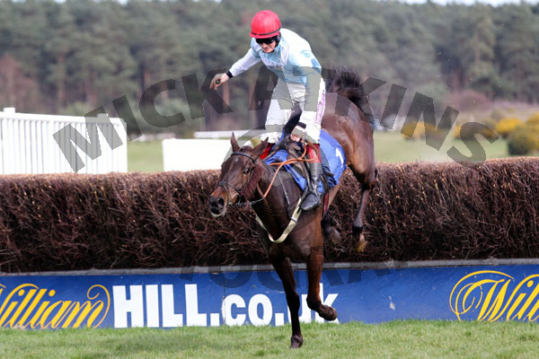 Discay & Sam Twiston-Davies (1)
