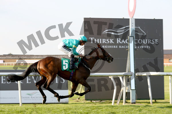 Race 8 - Face Like Thunder (7)097