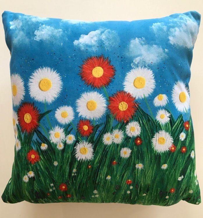 """""""Daisies II"""" Cushion"""