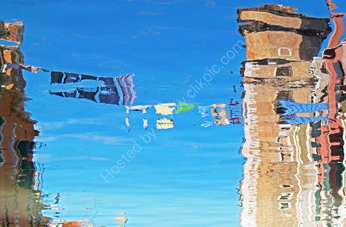 Venetian Washing Line, reflection