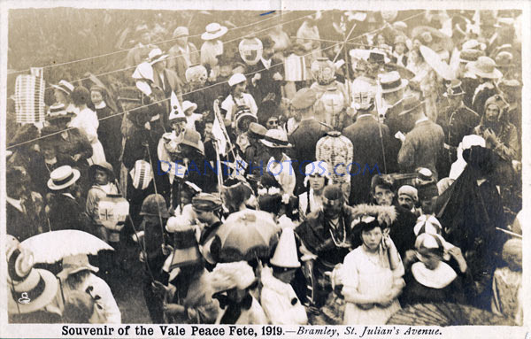 1919-Souvenir-of-the-Vale-Peace-Fete