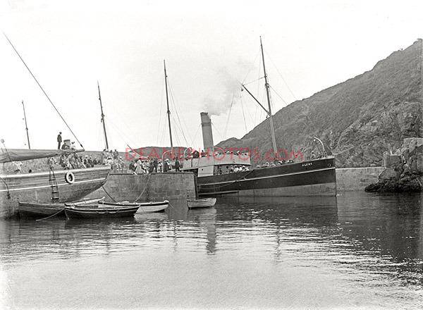 Alert in Creux harbour in 1905