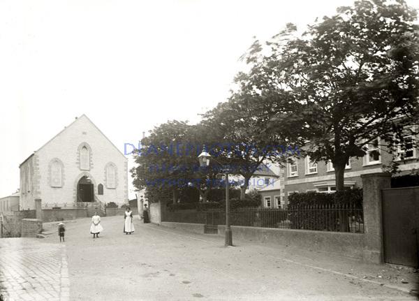 Les Rocquettes & Butes Chapel