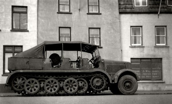 Caterpillar Car