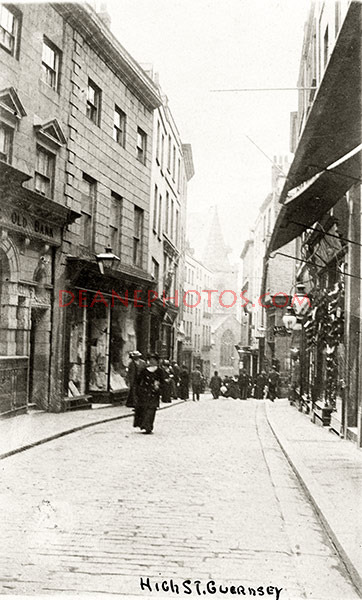 St Peter Port High Street in 1907