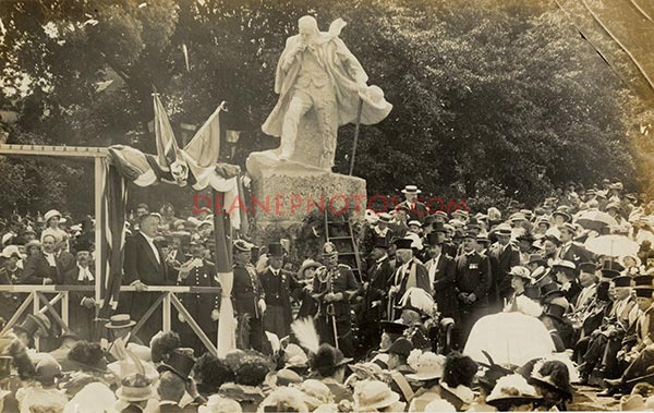 Unveiling of Statue
