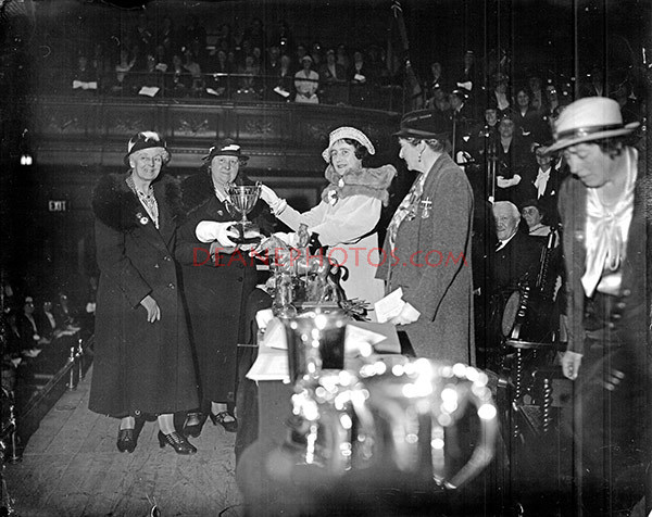 DUCHESS WITH THE BRITISH LEGION WOMEN 3-5-35