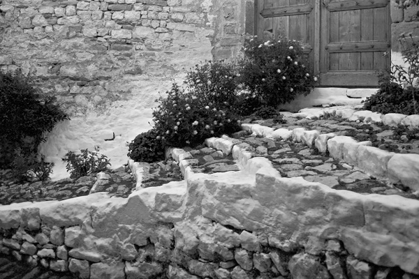 Steps and Door, Berat