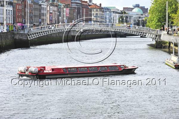 Dublin (Ha'Penny Bridge & River Liffey) Ref. # DSC4148adj