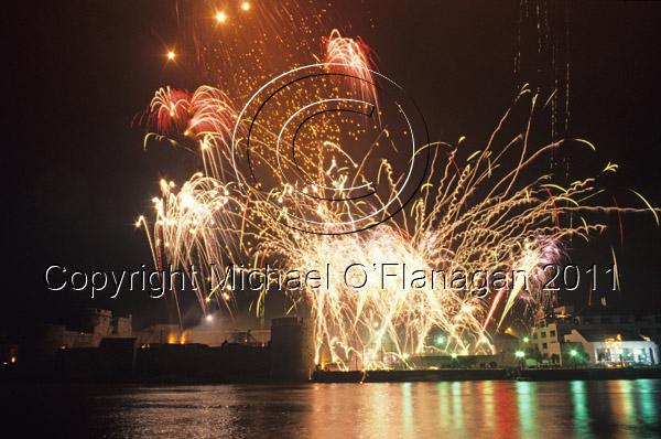 Fireworks over King John's Castle & River Shannon, Limerick Ref. # F285.4