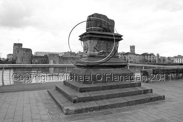 Limerick (Treaty Stone & King John's Castle) Ref. # DSC7080