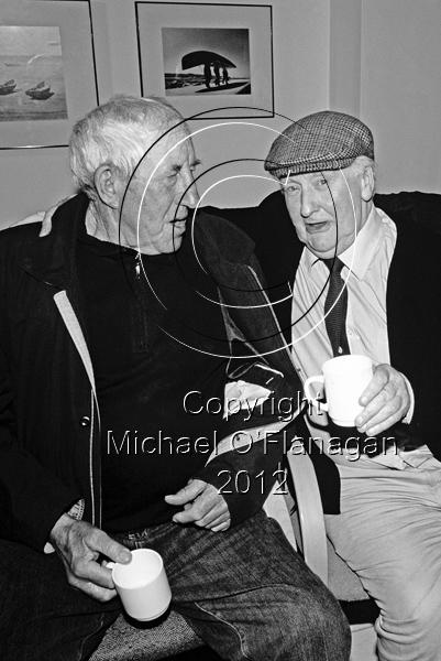 Padraig Choilm Ó Conghaile & photographer Bill Doyle (July, 2008), Inis Oirr Ref. # FC816.17CRBW