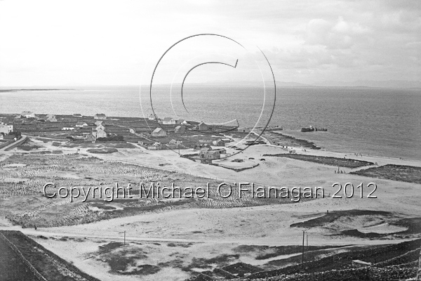 View from Castle (1975), Inis Oirr Ref. # F-5E.6MBW