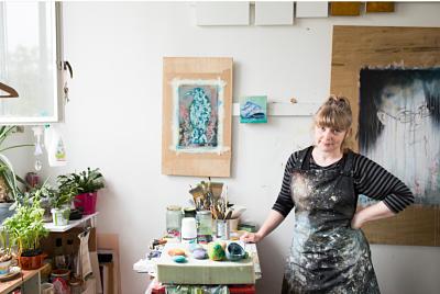 Moira Buchanan Fine Artist at studio