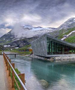 Architecture meets Nature