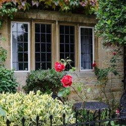 Bourton Cottage by Chris Morris