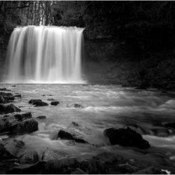 Sgwyd yr Eira-by Iain McCallum