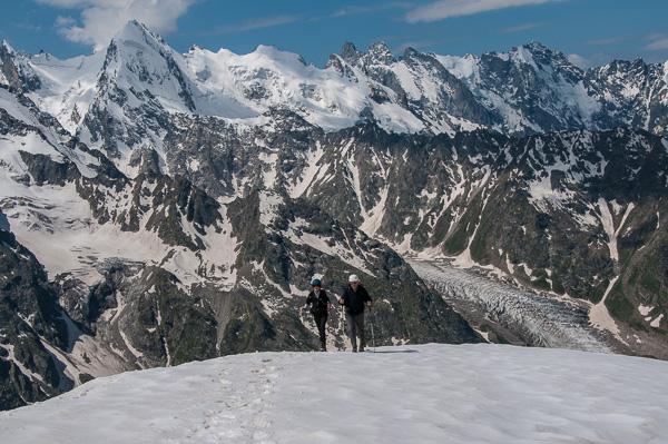 Final snow slope to summit of Kurmychi