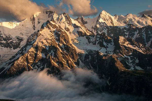 Evening sun of peaks above the Adyl Su Valley