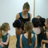Introducing a love of ballet to young students