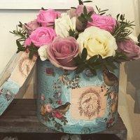 Vintage style roses (medium)