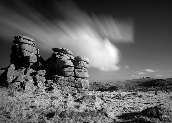IR_Rocks_at_Hound_Tor_Dartmoor