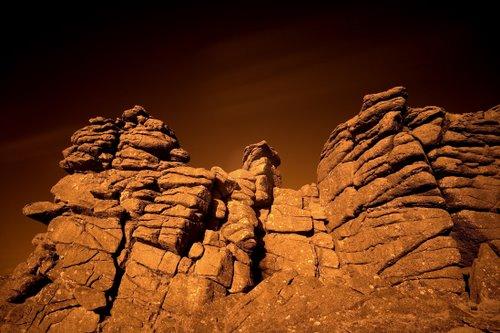 IR_Rocks_at_Hound_Tor_2