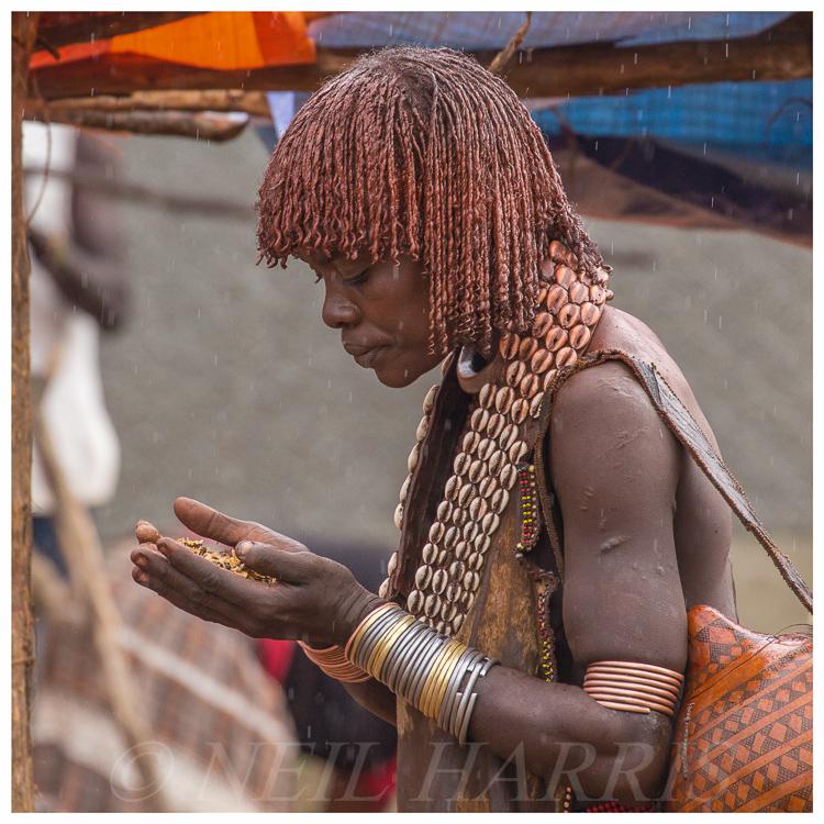 Hamar woman at market