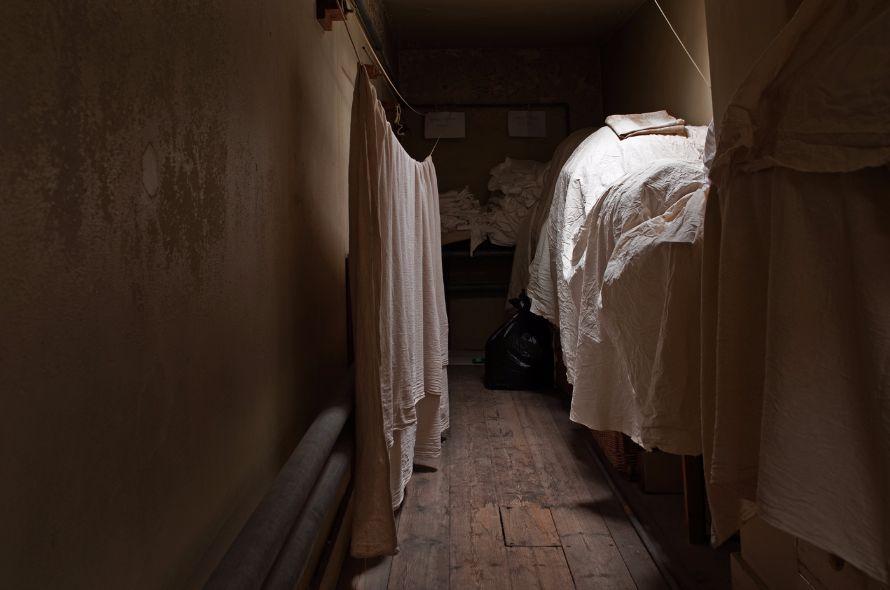 NT Tyntesfield, Linen cupboard
