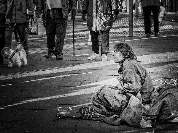 beggar pleading