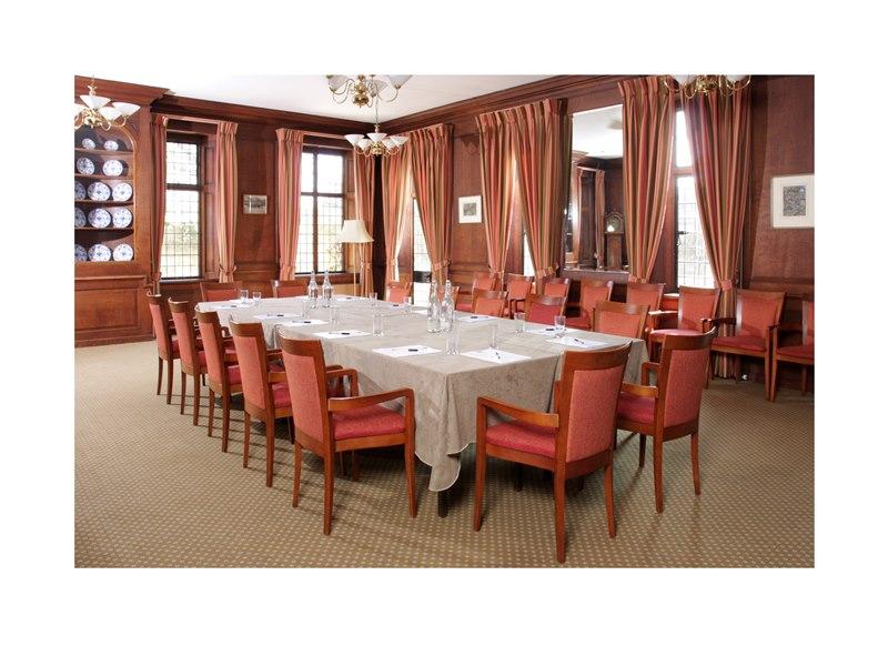 RAINOLDS ROOM (Boardroom)
