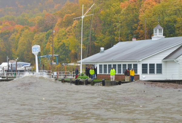 Hudson Valley, hurricane Sandy is on it's way!!