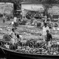 River - 18, Market