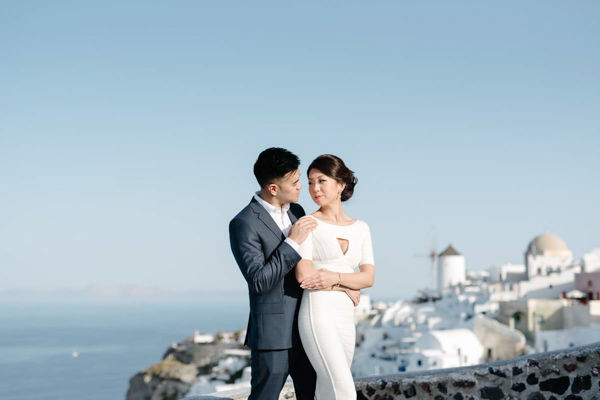 asian engagement photo session in santorini