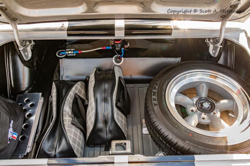 1966 Mustang 302-Boot