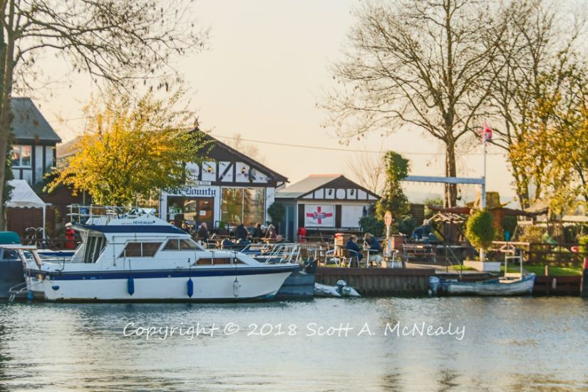 The Bounty Pub-from Bourne End Marina-8190