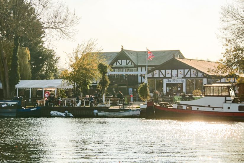 The Bounty Pub-from Bourne End Marina-8212