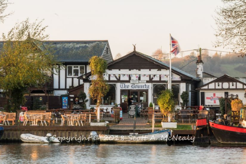 The Bounty Pub-from Bourne End Marina-8240