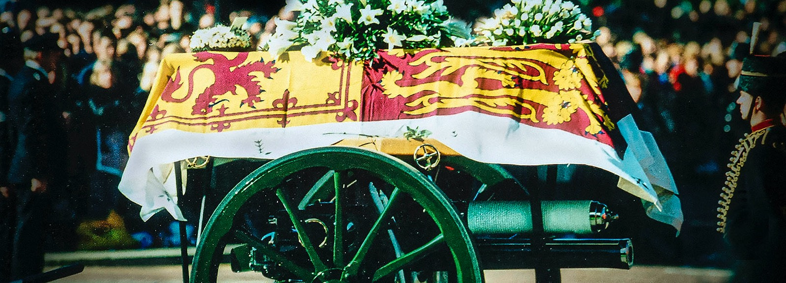 Diana's coffin was carried on a gun carriage