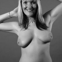 Marie - Happy Model