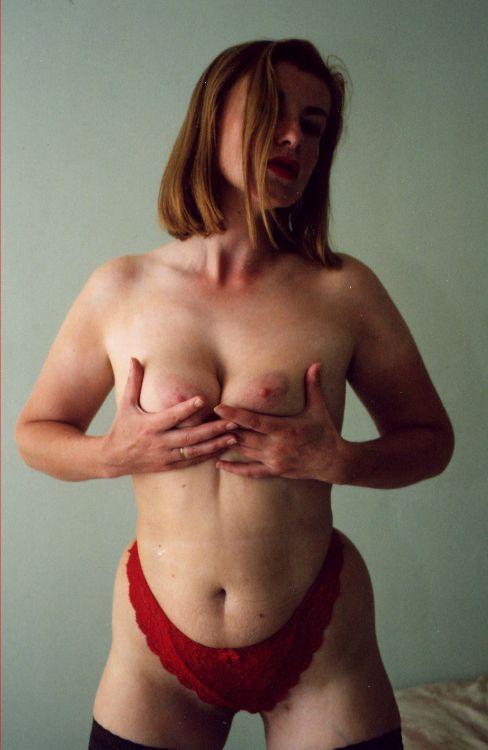 Karleene Morgan - Hand bra fun