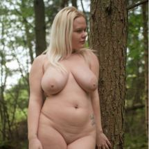 Jas - Relaxed in her nudity