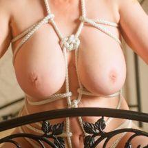 Allison - Doube coin knot tie