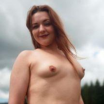 Lou - Nude smile