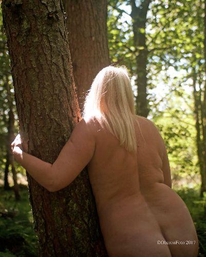 Muse - Golden haired tree hugger